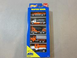 1996 HOT WHEELS ROAD REPAIR 5 CAR GIFT PACK - BRAND NEW - FR